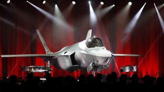 İlk F-35 Türkiye'ye teslim edildi