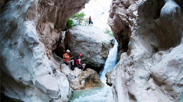 """أخدود """"هارمان كايا"""".. وجهة سياحية صاعدة في تركيا"""