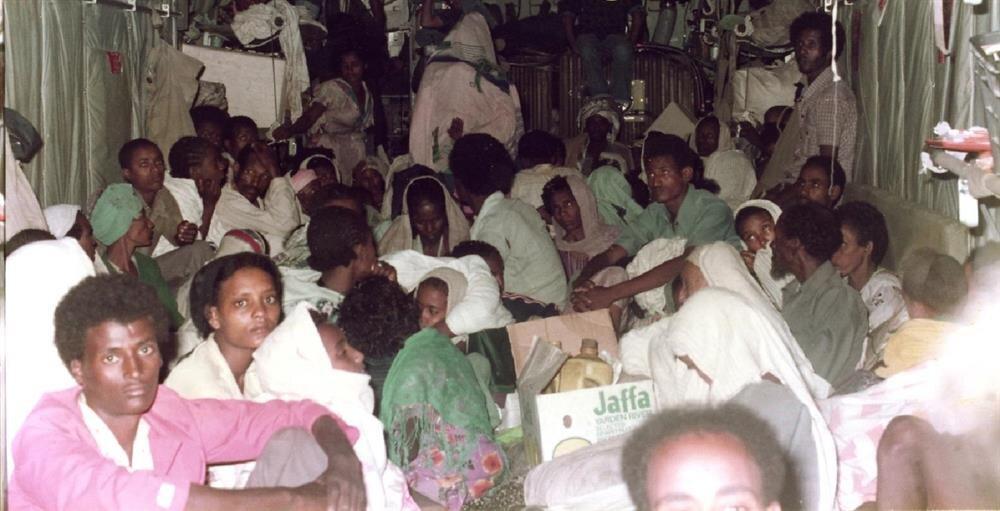 İsrail'e getirilen Etiyopya Yahudileri, burada da kamplarda toplandı ve eğitime tabi tutuldu.