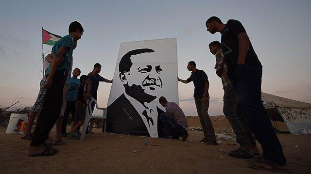 Gazze halkı Erdoğan'ı 'portresini çizerek' kutladı