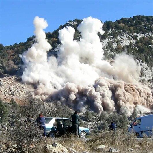 Taş ocağında patlama: 2'si asker 3 kişi yaralandı