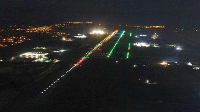 Pilotlar 3. Havalimanını gece böyle görecek