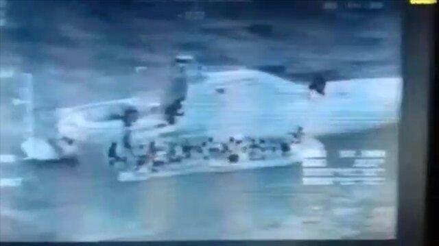 Batmak üzere olan bottan 53 göçmen böyle kurtarıldı