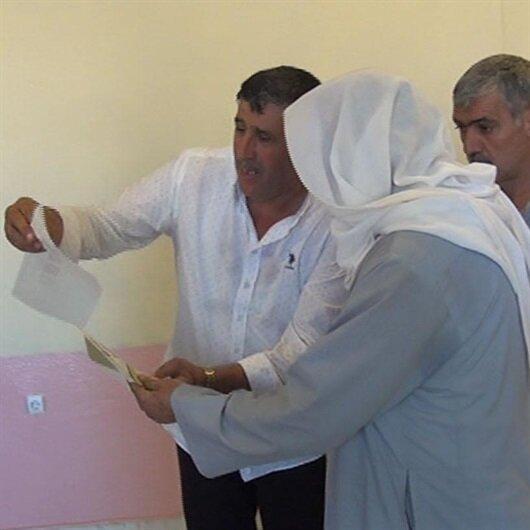 Mardin'de muhtar seçmeni HDP'ye oy versin diye yönlendirdi