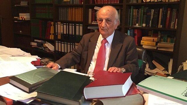 Dünyanın önde gelen tarihçilerinden İslam Bilim Tarihi Araştırmacısı Prof. Dr. Fuat Sezgin, 94 yaşında hayatını kaybetti.
