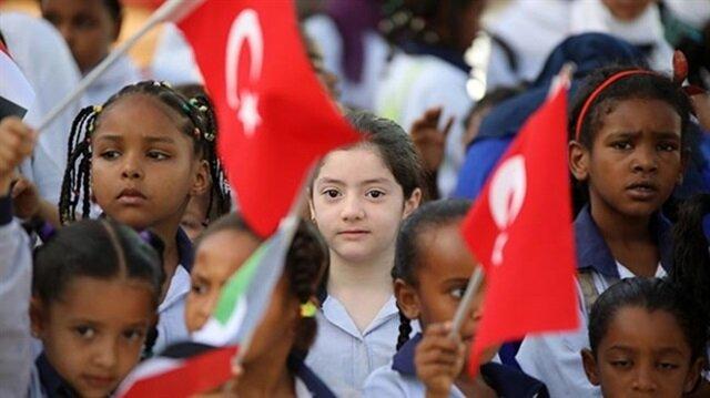 Kamerun'daki FETÖ okulları Türkiye'ye devredildi
