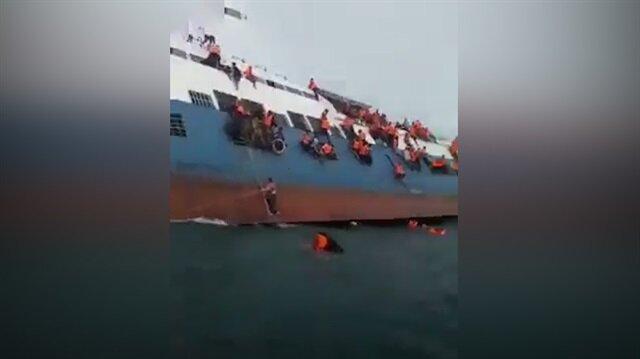 Endonezya'da feribot kazası sonrası ilk görüntüler