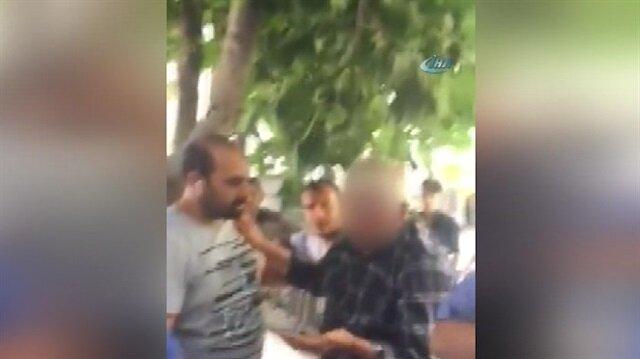 2 çocuğu taciz ettiği iddia edilen adama meydan dayağı!