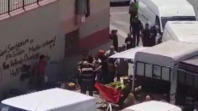 Gaziosmanpaşa'da pazarcıların kavgası kamerada