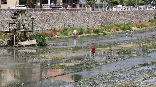 Yeşilırmak nehri susuz kaldı.