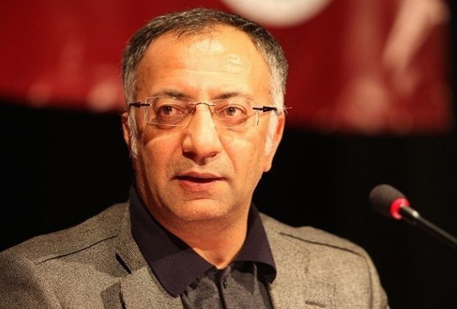 İstanbul Üniversitesi Sosyoloji bölümünde öğretim görevlisi olan Prof. Dr. Yücel Bulut ağırlıklı olarak