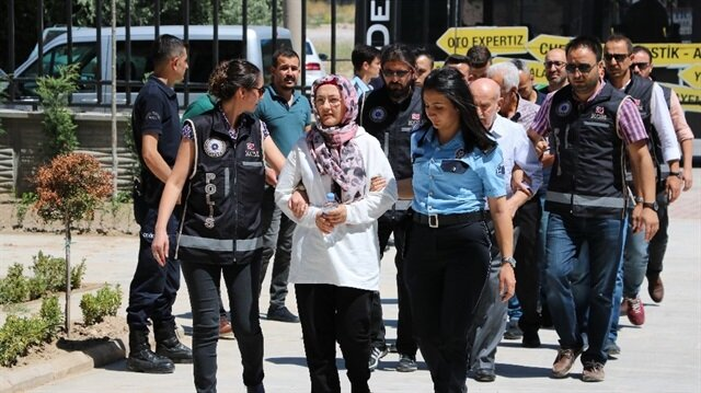 FETÖ'nün üst düzey yöneticisi iddiasıyla gözaltına alınan 5 kişi tutuklandı