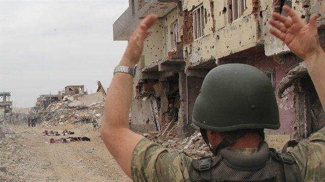 Mardin'de iki teröristin güvenlik güçlerine teslim olduğu öğrenildi.