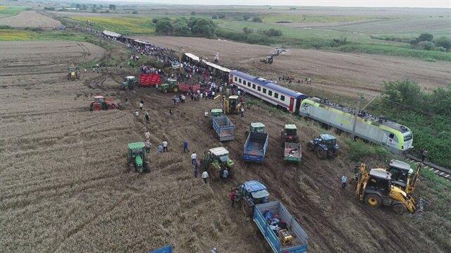 Tekirdağ'da yolcu treni raydan çıktı: Ölü ve yaralılar var