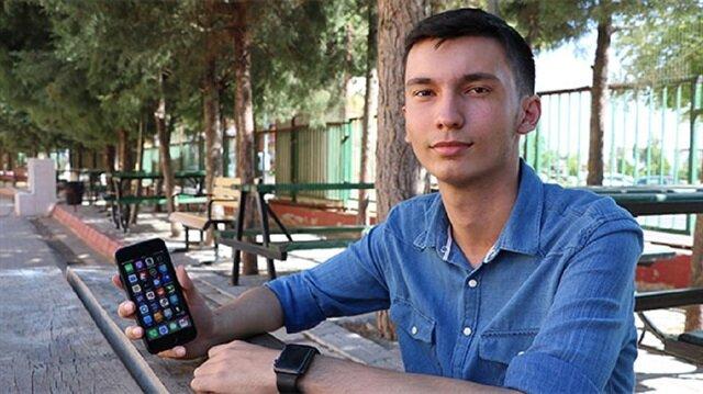 Kahramanmaraş'ta lise öğrencisi Yiğitcan Yılmaz, daha öncesinde Siri'nin de açığını bulmuştu.