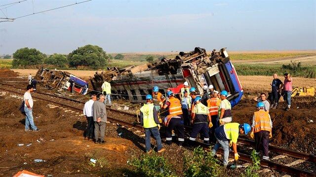 Kaza bölgesinde ekiplerin çalışmaları devam ediyor.