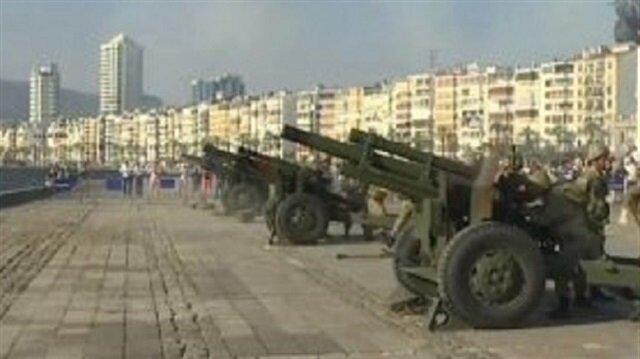 Başkan için İzmir'de 101 pare top atışı