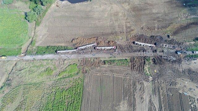 Tren enkazı havadan görüntülendi