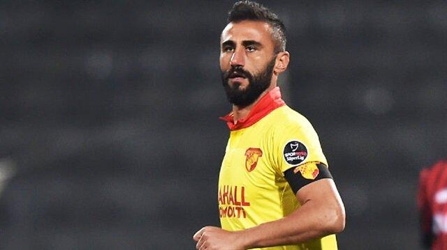 37 yaşındaki Selçuk Şahin, geride bıraktığımız sezon ligde 27 maça çıktı.