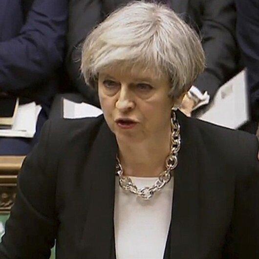 Theresa May'in konuşmasını kahkahalarla kestiler