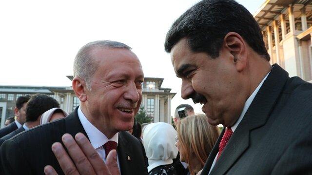 Cumhurbaşkanlığı Göreve Başlama Töreni'nden Başkan Erdoğan ve Venezuela Devlet Başkanı Nicolas Maduro, sohbet ediyor...