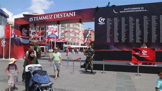 Ömer Halisdemir'in heykeli Taksim Meydanı'nda