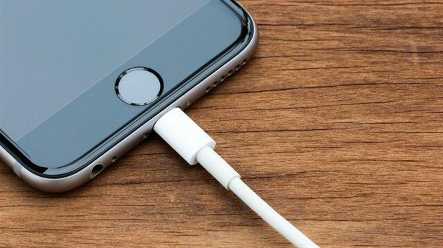 Apple kısıtlı USB modu ile telefonları üst düzey güvenlik altına alacak.