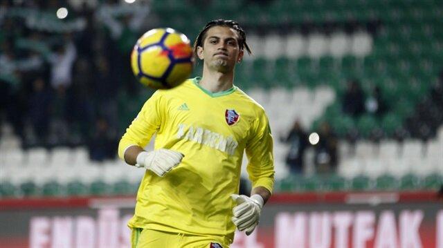 Çağlar geçen sezon Karabükspor formasıyla 13 resmi maça çıktı.