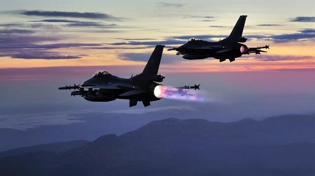 Arşiv: TSK, düzenlenen hava harekatlarında 17 teröristin etkisiz hale getirildiğini açıkladı.
