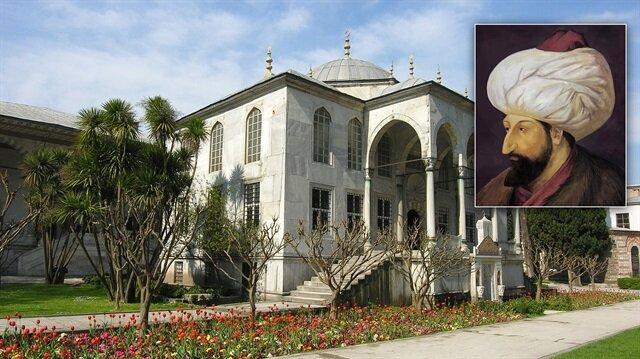 Saray Kütüphanesi'nin temelini Fatih Sultan Mehmet attı.