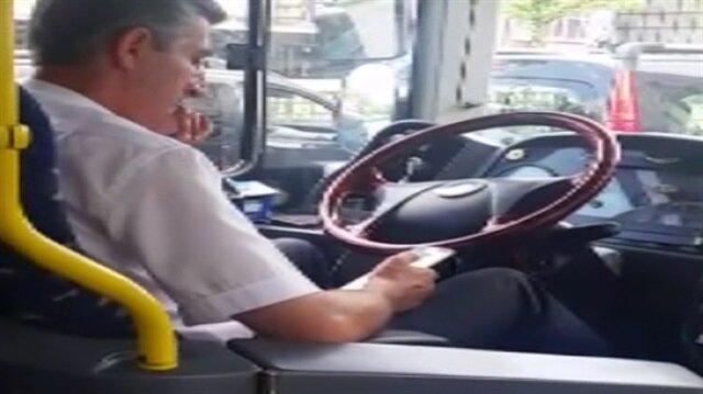 Yolcuların canını hiçe sayan sürücü kamerada