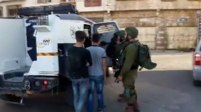 İsrail, 2 Filistinli çocuğu gözaltına aldı