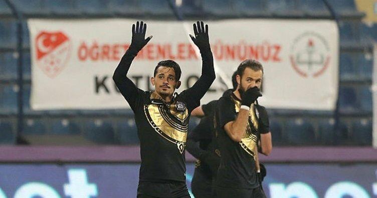 Serdar ile Musa'nın isimleri Beşiktaş ile anılıyor.