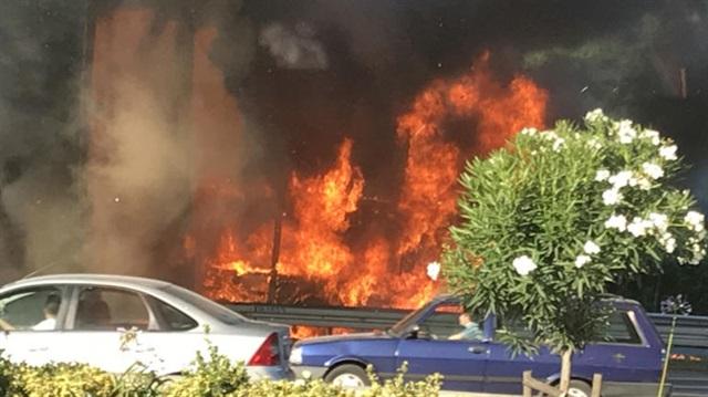 Bayrampaşa'da seyir halindeki otobüste yangın