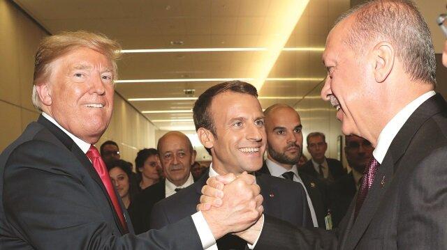 NATO Zirvesi'ne katılmak üzere Belçika'nın başkenti Brüksel'de bulunan Başkan Recep Tayyip Erdoğan, ABD Başkanı Donald Trump ve Fransa Cumhurbaşkanı Emmanuel Macron ile görüştü.