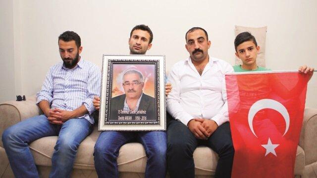 Baba Tehvit Akkan şehit olurken, oğulları Nahit ve Emrah Akkan yaralandı.