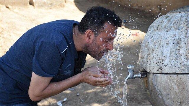 Kalp ve hipertansiyonu olanlar sıcaklarda bol su için