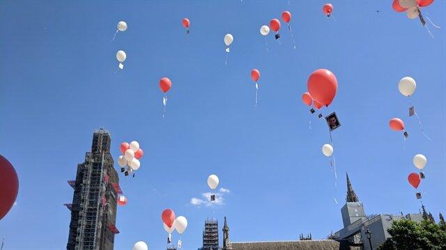 250 şehidin fotoğrafını gökyüzüne uçurdular