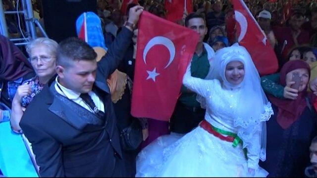 Düğün salonundan demokrasi nöbetine