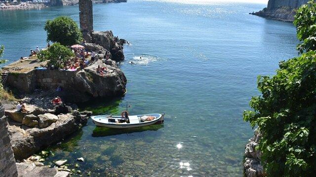 تركيا.. اقبال متزايد من السياح على شواطئ غرب البحر الأسود