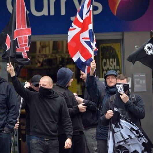 İngiltere'de polisi ölümle tehdit eden örgüt üyelerine hapis
