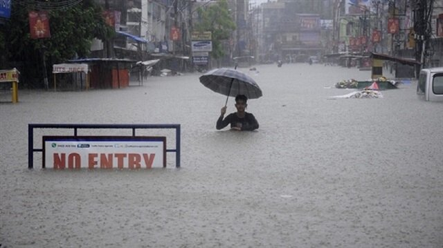 Torrential monsoon rains kill 511 in India