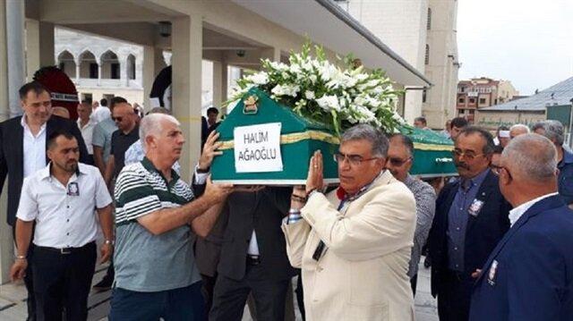 Adalet Ağaoğlu'nun eşi kendi ölüm ilanını verdi