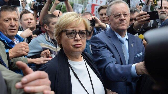 Polish judge enters Supreme Court at heart of dispute