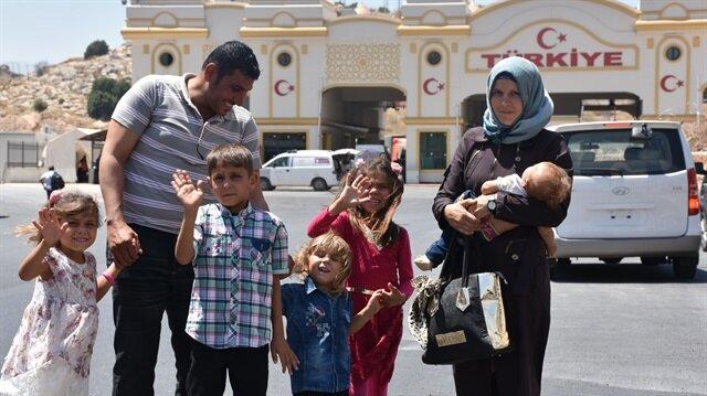 مواطنة رومانية تخرج من سوريا مع عائلتها بعد 7 سنوات انقطاع