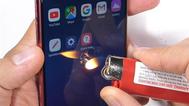 LG G7 dayanıklılık testinde
