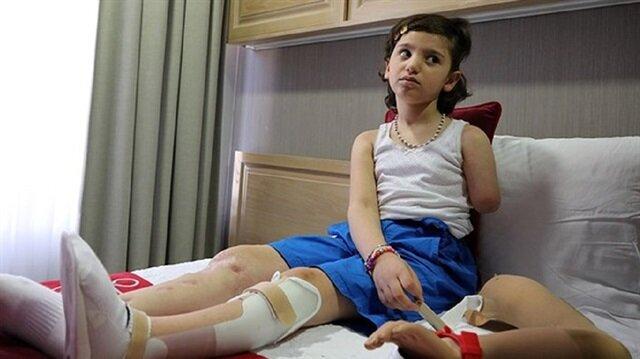 """""""ريان"""" طفلة سورية تستعيد خطواتها في تركيا بعد حرمانها من المشي!"""