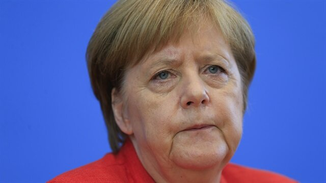 Merkel vows to work at 'under pressure' US relationship