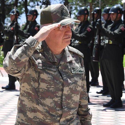 Güler Malatya ve Erzincan'da birlikleri denetledi
