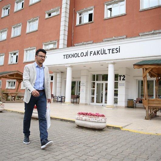 """السوري """"الأبرش"""".. أول أجنبي يحرز المرتبة الأولى في جامعة صقاريا التركية"""